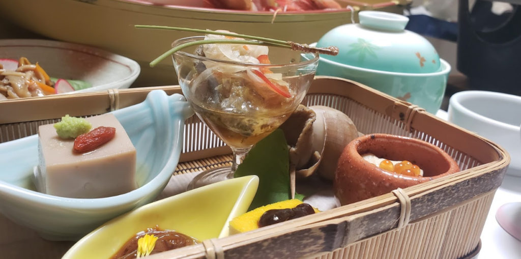 犬と泊まれる宿 京都 「 料理旅館夕日ヶ浦 」