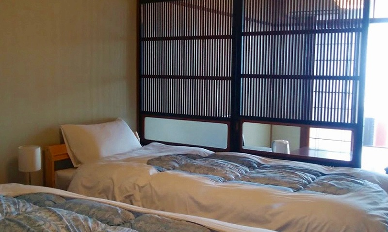 岡山県白石島海水浴場でペット宿泊